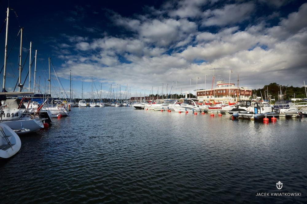 jachty - widok z pomostu stałego_marina ncz awfis