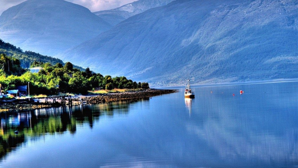 Rejs jachtem Fiordy Norwegi Trekking